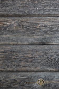 Superficie orizzontale in legno con motivo naturale.