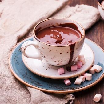 Cioccolata calda con marshmallow.
