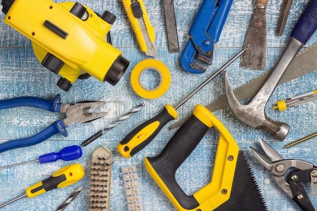 Strumenti e accessori per la ristrutturazione della casa. vista dall'alto.
