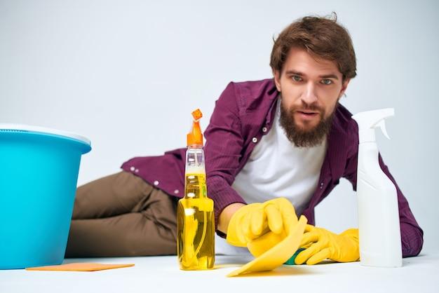 Governante pulizia igiene stile di vita professionale
