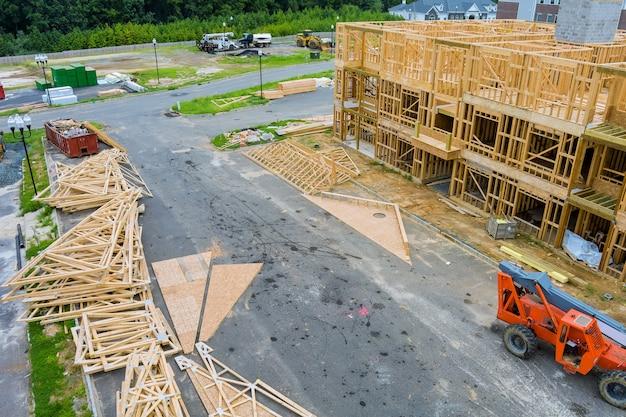 Sviluppo abitativo vista costruzione nuova casa residenziale.