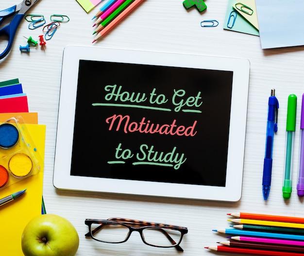 Come essere motivati a studiare uno sfondo dal design luminoso, colorato ed elegante