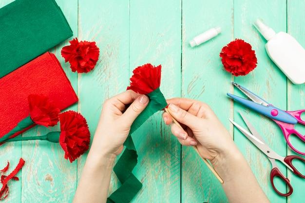 Come fare un fiore di garofano a casa