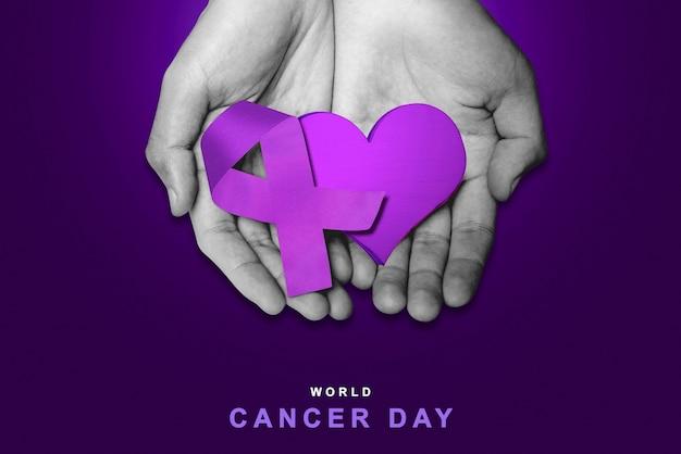 Mano umana che mostra un nastro viola e un cuore su uno sfondo colorato. concetto di giornata mondiale contro il cancro
