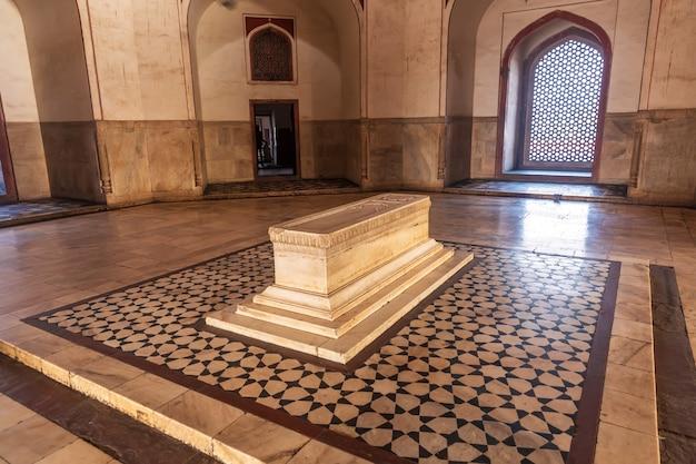 Il cenotafio di humayun nel complesso della tomba, india, nuova delhi.