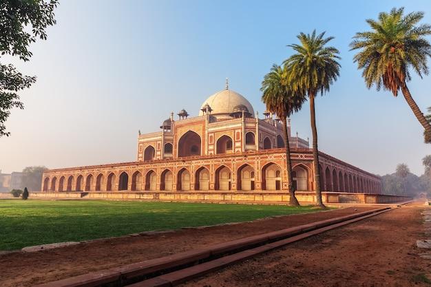 Tomba di humayun, vista bella giornata di sole, nuova delhi, india.