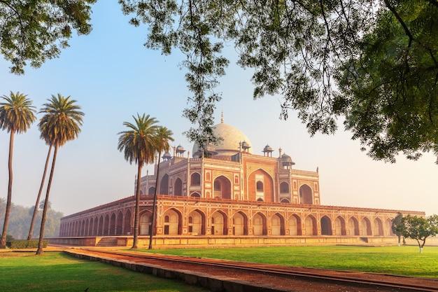 Tomba di humayun, famoso luogo di visita dell'india, nuova delhi.