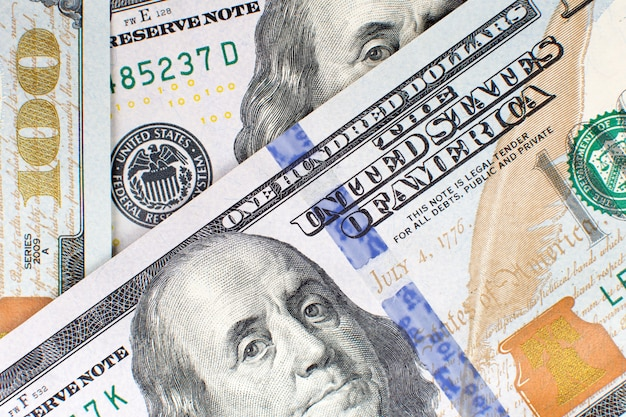 Cento 100 banconote in dollari di sfondo