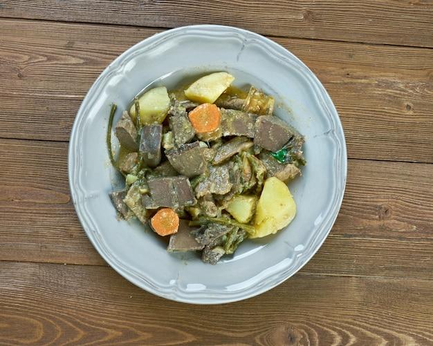 Cucina ungherese - gulasch dal cuore di manzo