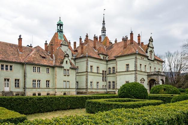 Castello di caccia del conte schonborn a carpaty