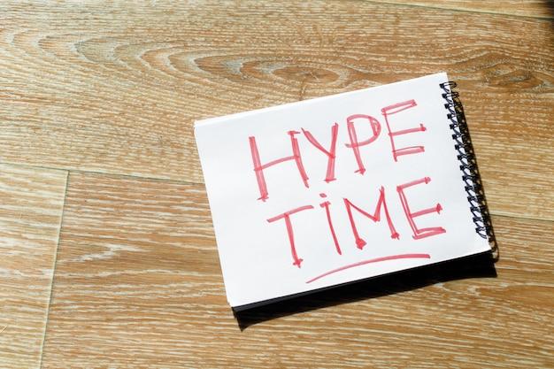 Concetto di tempo hype