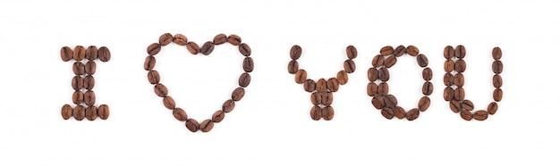 Ti amo nei chicchi di caffè tostati