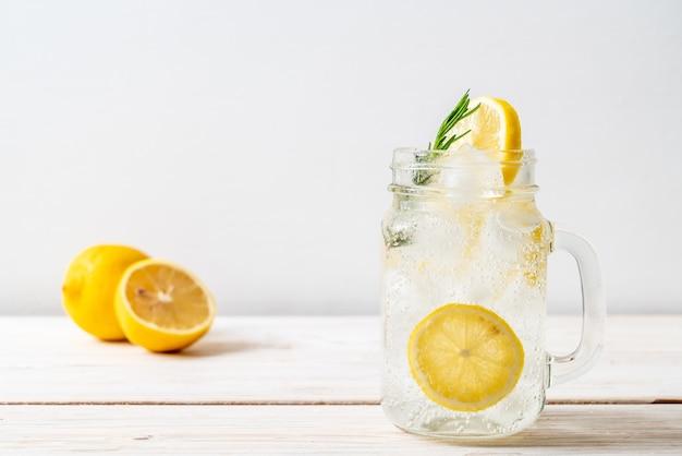 Soda di limonata ghiacciata