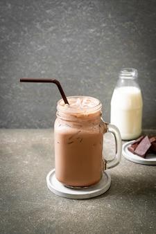 Bevanda di frappè al cioccolato ghiacciato