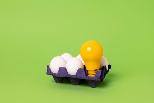 Concetto di idea con la lampadina