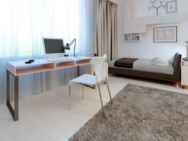 Idea di area di lavoro in camera da letto con tavolo bianco e sedia con puntelli metallici vicino alla finestra.
