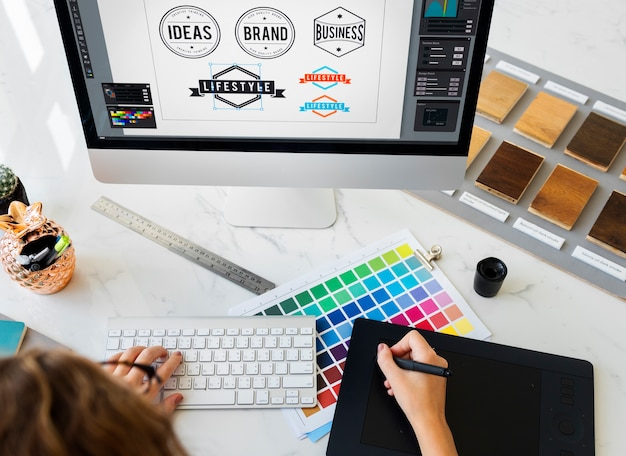 Concetto startup del disegno dello studio di progettazione di occupazione creativa di idee