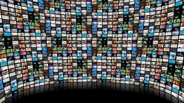 Immagine di un grande schermo con molti canali su sfondo nero vuoto