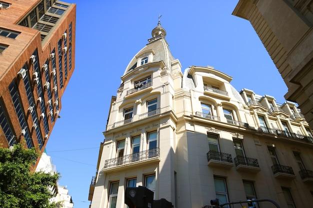 Architetture impressionanti su plaza de mayo, buenos aires, argentina, sud america