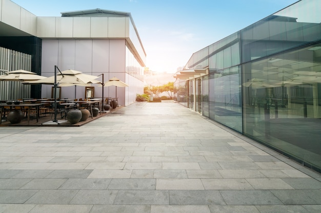 Inancial center plaza e edificio per uffici