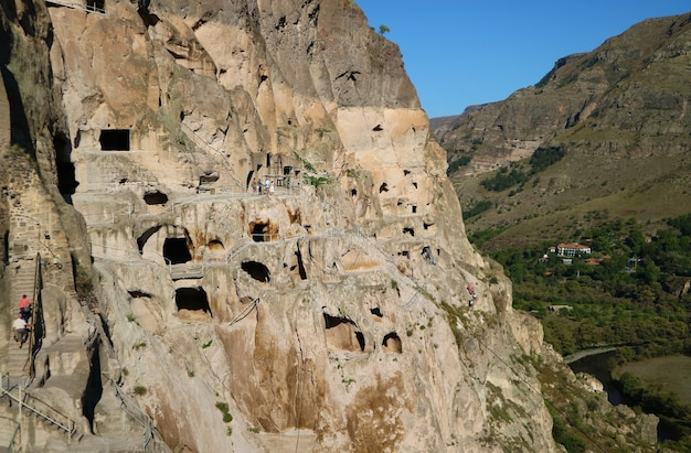 Incredibile monastero rupestre medievale di vardzia erusheti mountain aspindza town southern georgia