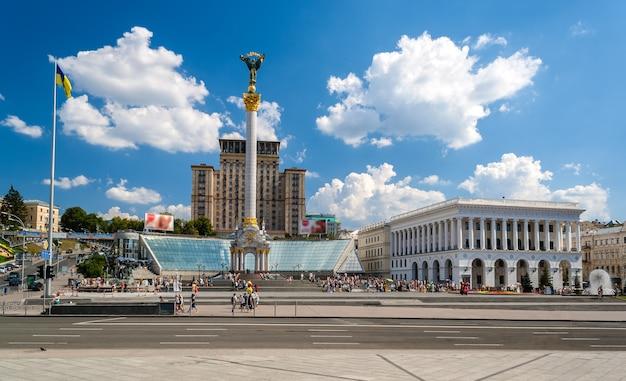 Piazza dell'indipendenza a kiev, ucraina