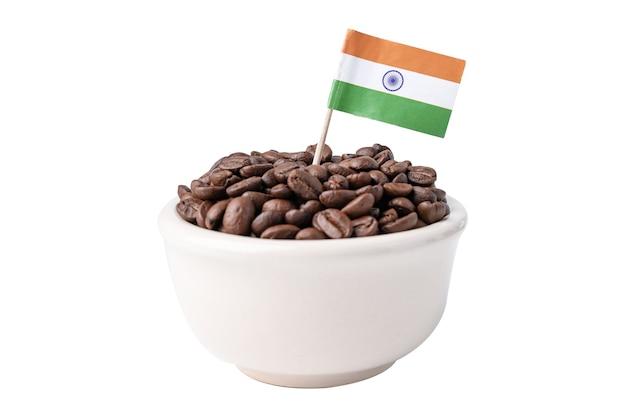Bandiera dell'india sui chicchi di caffè, concetto di cibo per bevande import export.