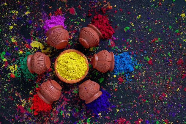 Festival indiano holi, colori in ciotola