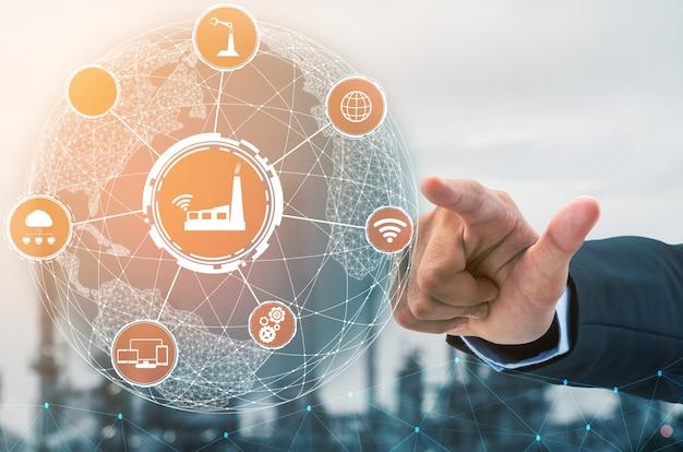 Concetto di tecnologia industria 4.0. fabbrica intelligente per la quarta rivoluzione industriale