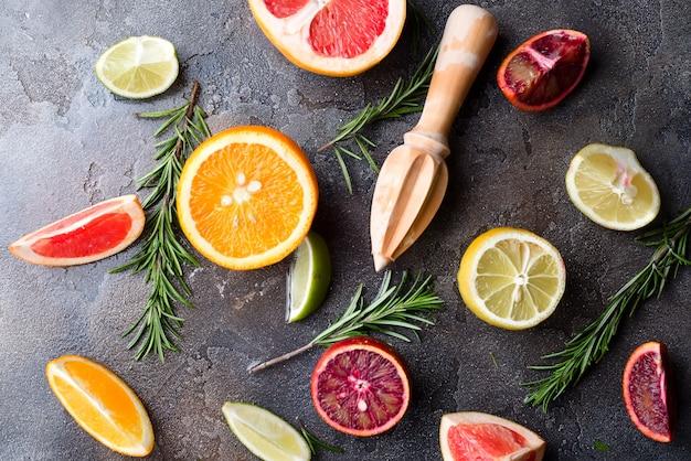 Ingredienti per una bevanda salutare. Foto Premium