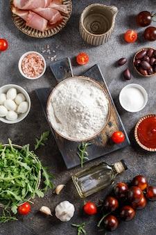 Ingredienti per fare la pizza italiana ingredienti per cucinare