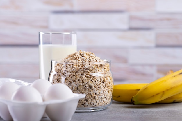 Ingredienti per frittelle di avena con banana