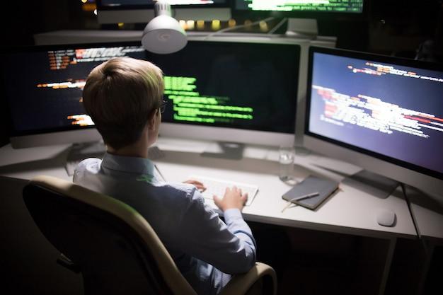 Avvio dell'attacco hacker