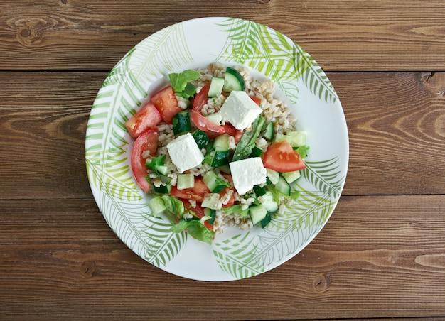 Insalata di farro - insalata italiana con farro e pomodori