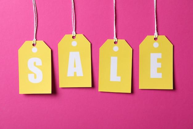 Vendita dell'iscrizione sui prezzi da pagare su spazio rosa. concetto del black friday