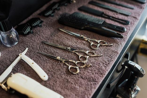 Negozio di barbiere parrucchiere maschio strumenti.