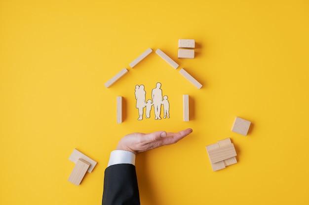 Concetto di assicurazione e proprietà della casa