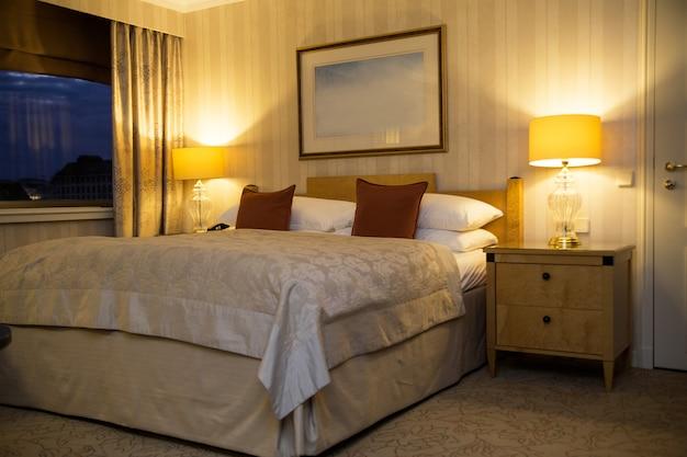 Intercontinental vienna. interno camera da letto in stile classico