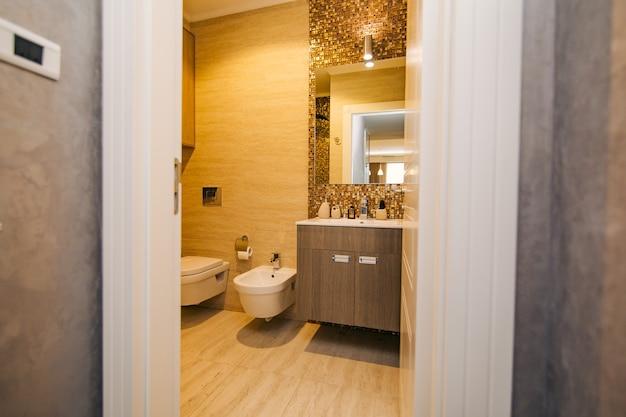 L'interno del bagno di design d'interni bagno in a Foto Premium
