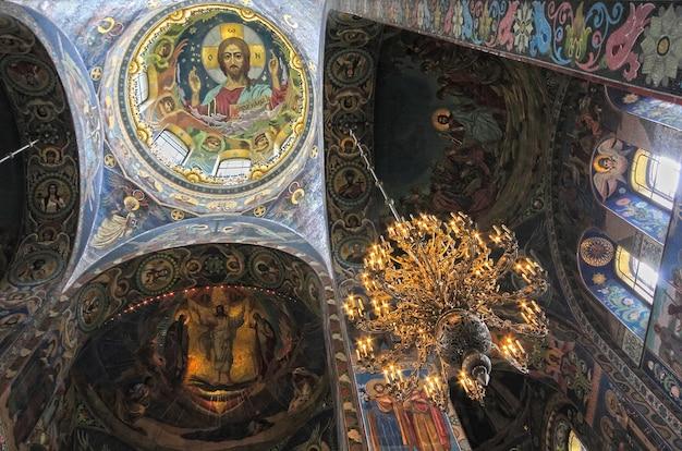 Interno della cattedrale del salvatore sul sangue versato a san pietroburgo