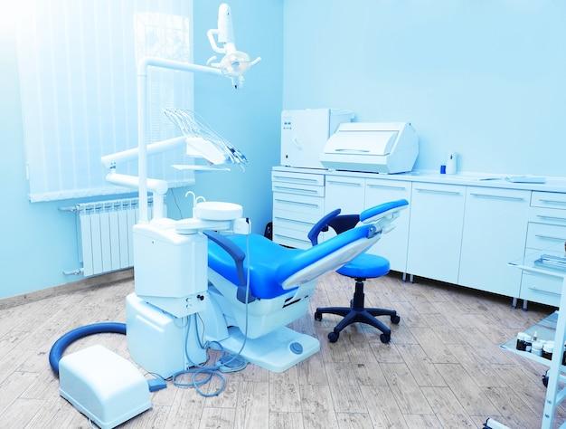 Interno della sala odontoiatrica in clinica moderna