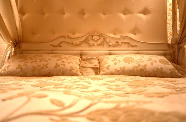Interno della camera da letto vintage di lusso