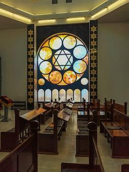 Interno della nuova sinagoga a kaliningrad