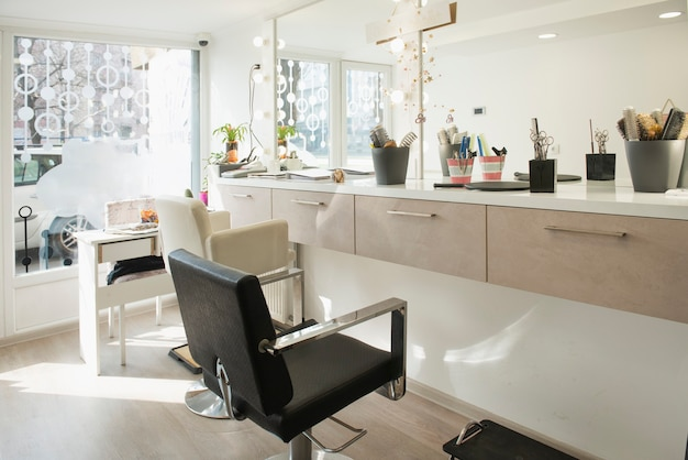 Interno di un piccolo e moderno salone di bellezza