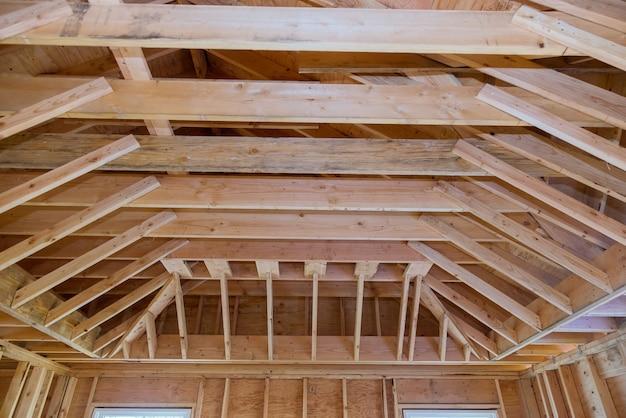 Vista interna costruzione nuova casa residenziale inquadratura