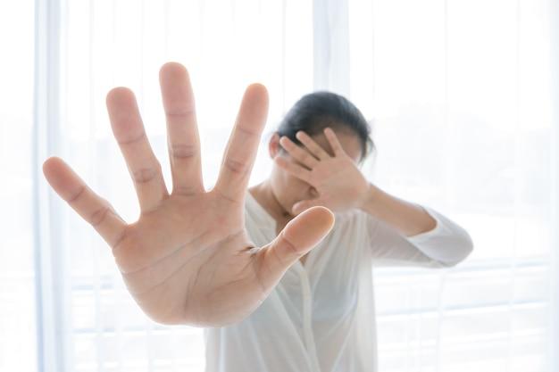 Giornata internazionale della donna foto seppia, stop sexual abuse concept, stop violenza contro le donne