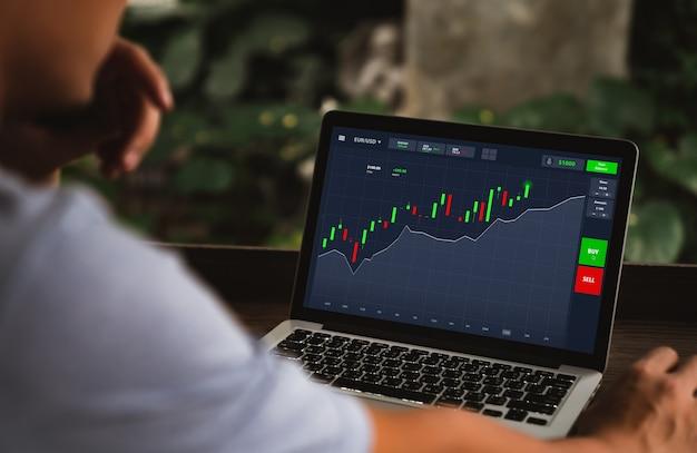 Investimenti, azioni, trading online e concetti di mercato azionario