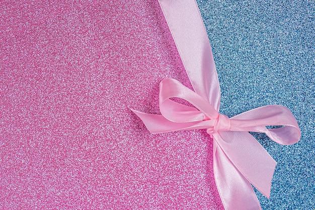 Cartolina d'auguri dell'invito o confezione regalo da vicino