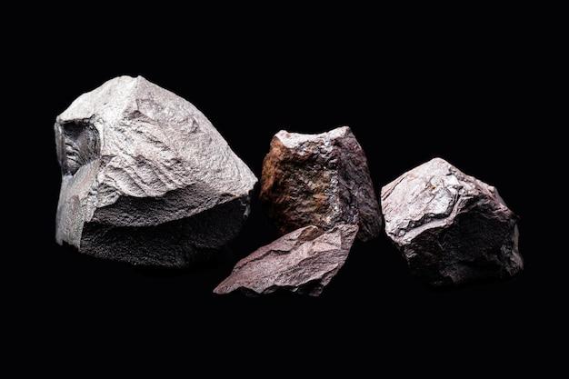 Minerale di ferro utilizzato nell'industria metallurgica e nell'edilizia civile, concetto di estrazione minerale