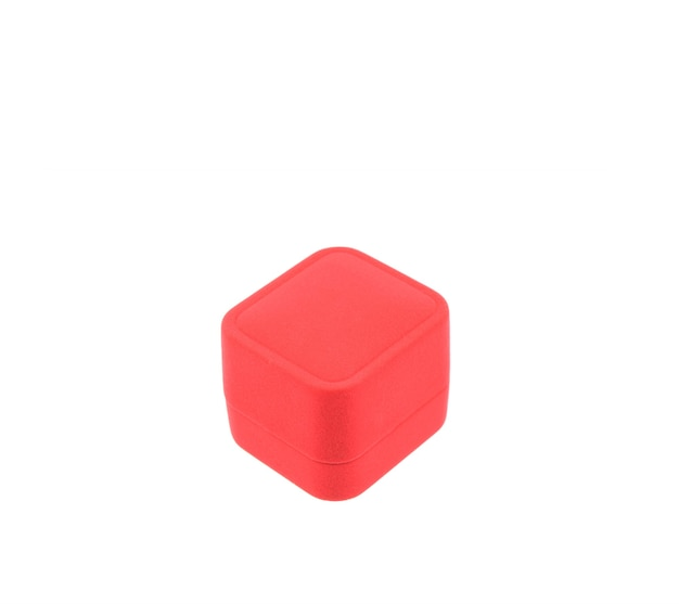 Scatola rossa vuota isolata su sfondo bianco